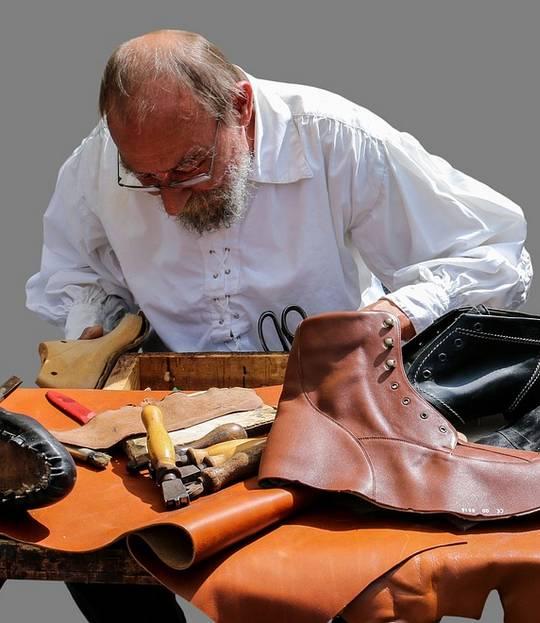 About Global Heels - Shoe Maker